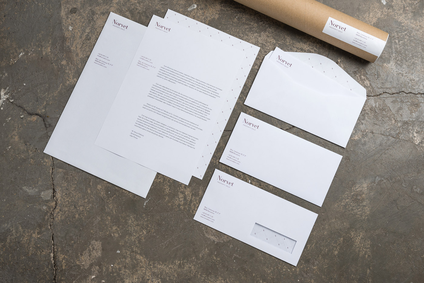 Stationary envelopes